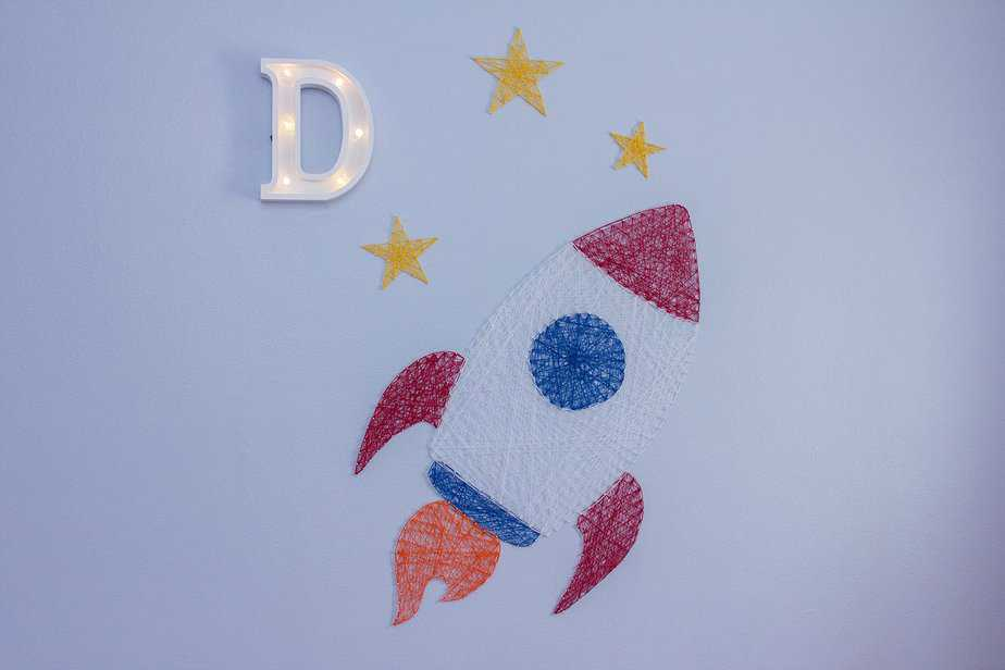 Rocket Yarn Decor